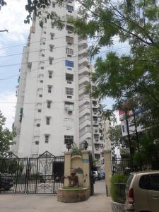 Gallery Cover Image of 1655 Sq.ft 3 BHK Apartment for rent in  Gateway Towers, Vaishali for 22000