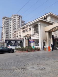 Gallery Cover Image of 1659 Sq.ft 3 BHK Apartment for rent in SDS NRI Residency, Omega II Greater Noida for 12000
