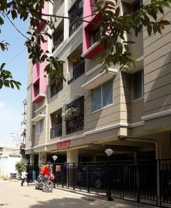 Gallery Cover Image of 1500 Sq.ft 2 BHK Apartment for rent in C V Raman Nagar for 25000