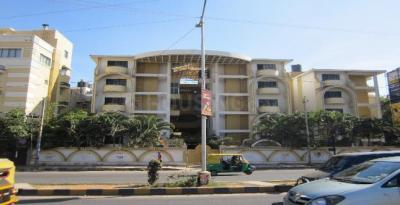 Gallery Cover Image of 1500 Sq.ft 3 BHK Apartment for rent in Naveen Terraces, Ejipura for 42000