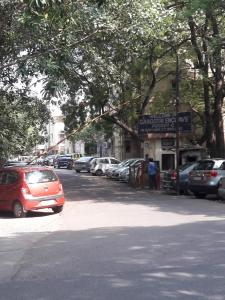 Gallery Cover Image of 1450 Sq.ft 3 BHK Apartment for rent in Gangotri Pocket C, Alaknanda for 45000