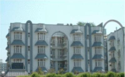 Gallery Cover Image of 1600 Sq.ft 3 BHK Apartment for rent in Sector 62 for 24000