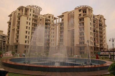 Gallery Cover Image of 1415 Sq.ft 3 BHK Apartment for buy in Purvanchal Silver City, Sector 93 for 8400000