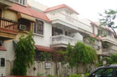 Gallery Cover Image of 1750 Sq.ft 3 BHK Independent Floor for rent in Eros Garden Villas, Sector 39 for 26000