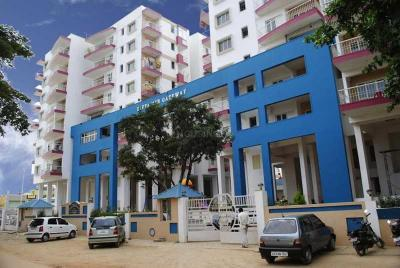 Gallery Cover Image of 1600 Sq.ft 3 BHK Apartment for rent in Divya MSR Gateway, Mathikere for 30000