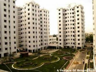 Gallery Cover Image of 1500 Sq.ft 3 BHK Apartment for rent in Tangra for 40000