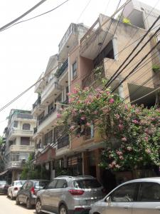 Gallery Cover Image of 1000 Sq.ft 2 BHK Independent Floor for buy in RWA Sant Nagar, Sant Nagar for 6000000