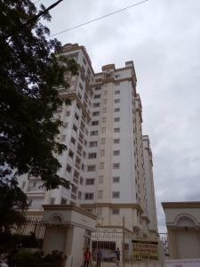 Gallery Cover Image of 1450 Sq.ft 2 BHK Apartment for rent in DSR Lotus Towers, Krishnarajapura for 32000