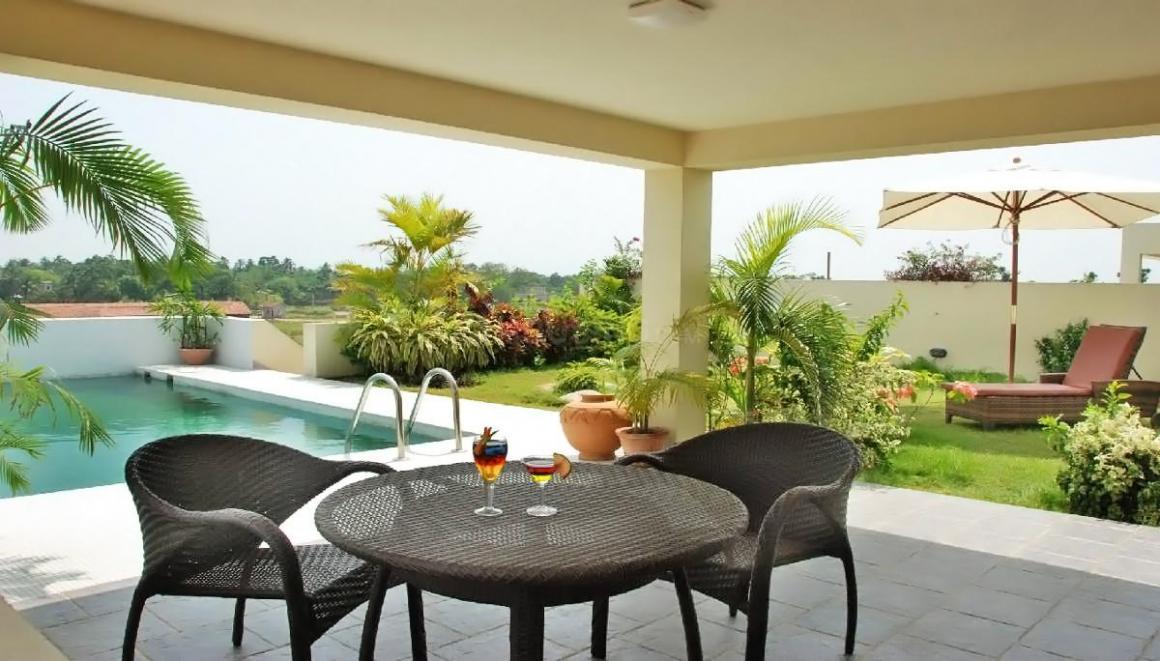 aqua-homes-swimming-pool-803063.jpeg