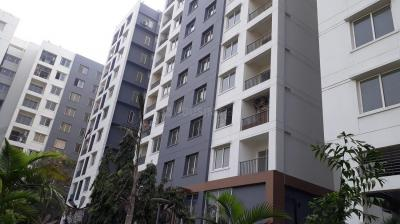 Gallery Cover Image of 1535 Sq.ft 3 BHK Apartment for rent in Ambuja Udvita, Maniktala for 35000