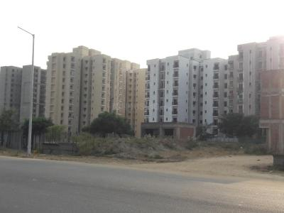 Gallery Cover Image of 1010 Sq.ft 3 BHK Apartment for rent in Unitech Unihomes, Sector 117 for 11500