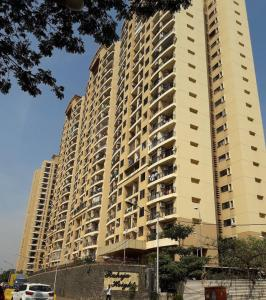 Gallery Cover Image of 1060 Sq.ft 2 BHK Apartment for rent in Malad East for 48000