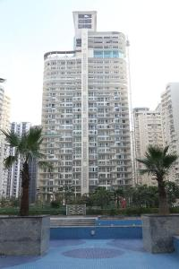 Gallery Cover Image of 1380 Sq.ft 2 BHK Apartment for buy in Mahagun Marvella , Sector 78 for 9500000