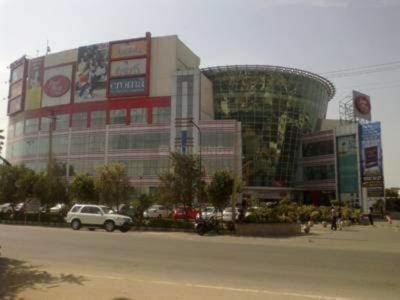 Gallery Cover Image of 1950 Sq.ft 3 BHK Independent Floor for buy in Ansal API Palam Vihar, Palam Vihar for 13600000