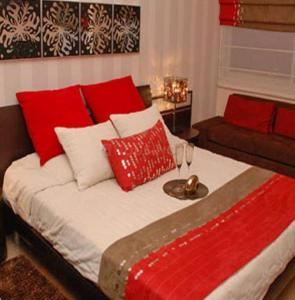 Gallery Cover Image of 900 Sq.ft 2 BHK Apartment for rent in Designarch Group E Homes, Surajpur for 6500