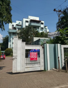 Gallery Cover Image of 2200 Sq.ft 3 BHK Apartment for rent in Naiknavare Trinity Court, Koregaon Park for 40000