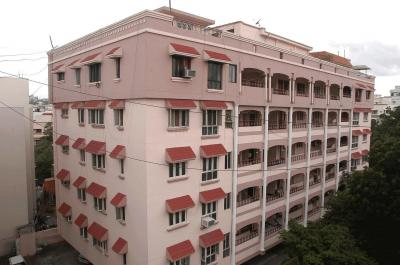 Gallery Cover Image of 2800 Sq.ft 3 BHK Apartment for buy in Srisairam Sairam Towers, Miyapur for 17000000