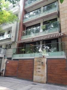 Gallery Cover Image of 560 Sq.ft 1 RK Independent Floor for rent in Sector 4 Rohini for 7500