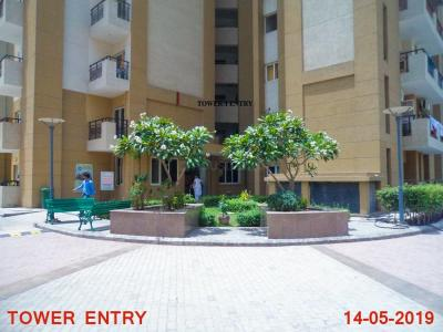 Gallery Cover Image of 1114 Sq.ft 2 BHK Apartment for buy in Nimbus Express Park View 2, Chi V Greater Noida for 4500000