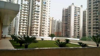 Gallery Cover Image of 1450 Sq.ft 2 BHK Apartment for rent in Crossings Republik for 10000