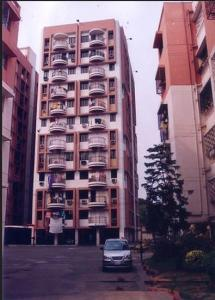 Gallery Cover Image of 1325 Sq.ft 2 BHK Apartment for rent in Diamond Brindavan Garden, Tangra for 26000