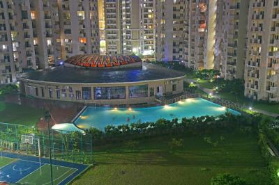Gallery Cover Image of 1685 Sq.ft 4 BHK Independent Floor for rent in Paramount Floraville, Sector 137 for 22000