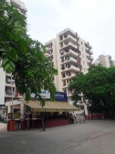 Gallery Cover Image of 1350 Sq.ft 3 BHK Apartment for buy in Rajhans Premier Apartment, Ahinsa Khand for 6400000
