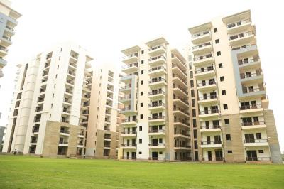Gallery Cover Image of 1952 Sq.ft 3 BHK Apartment for buy in Ninex City, Sector 76 for 10000000