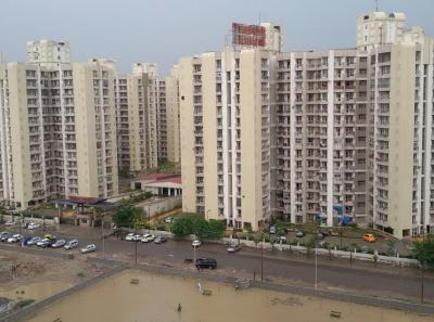 Gallery Cover Image of 1150 Sq.ft 2 BHK Apartment for rent in Sector 120 for 14000