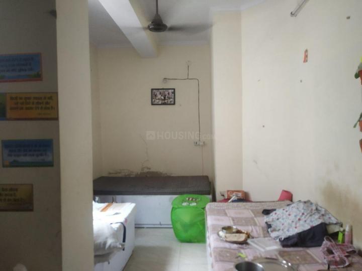 लक्ष्मी नगर में वैष्णवी गर्ल्स पीजी के बेडरूम की तस्वीर