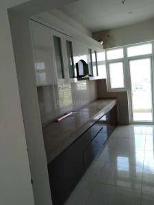 Gallery Cover Image of 930 Sq.ft 3 BHK Apartment for rent in Sector 82 for 16500