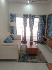 Gallery Cover Image of 535 Sq.ft 1 BHK Apartment for buy in AV Crystal Tower, Vasai East for 2415000