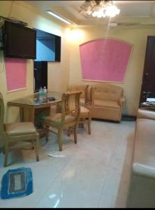 Gallery Cover Image of 850 Sq.ft 2 BHK Independent House for rent in Sion for 50000