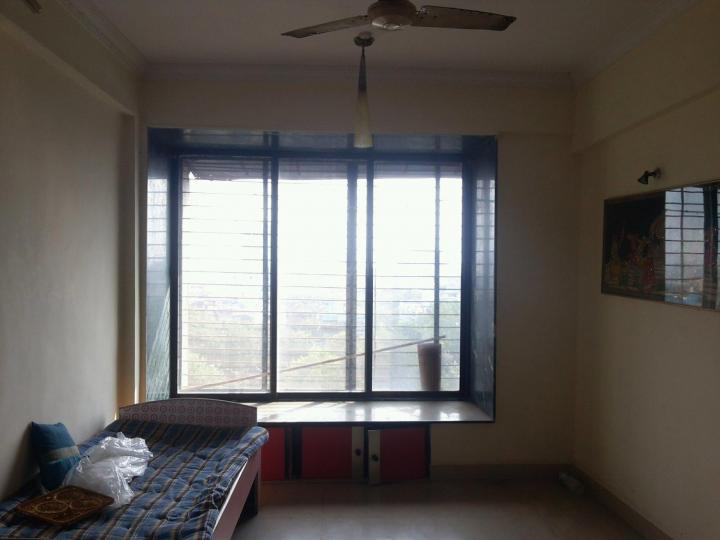 Living Room Image of 530 Sq.ft 1 BHK Apartment for rent in Kopar Khairane for 18000