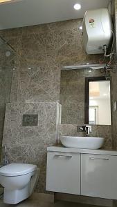 सेक्टर 55  में 3  खरीदें  के लिए 55 Sq.ft 3 BHK इंडिपेंडेंट फ्लोर  के बाथरूम  की तस्वीर