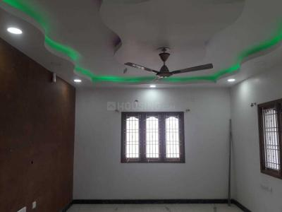 Gallery Cover Image of 2250 Sq.ft 4 BHK Apartment for rent in Velachery for 45000