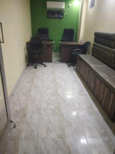 Gallery Cover Image of 450 Sq.ft 1 BHK Apartment for rent in Picnic Garden for 10000