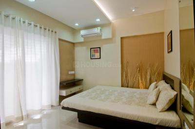 Gallery Cover Image of 980 Sq.ft 2 BHK Apartment for buy in Kandivali West for 20000000