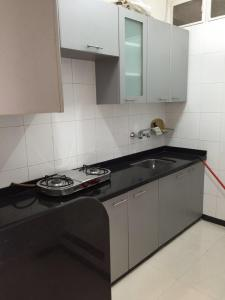 Gallery Cover Image of 1900 Sq.ft 3 BHK Apartment for rent in Malabar Hill for 350000