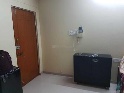 Gallery Cover Image of 550 Sq.ft 1 BHK Apartment for rent in Malad West for 25000