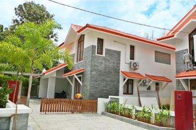 Gallery Cover Image of 2650 Sq.ft 3 BHK Villa for buy in Manjooran Rowanpark Villas, Kakkanad for 22000000