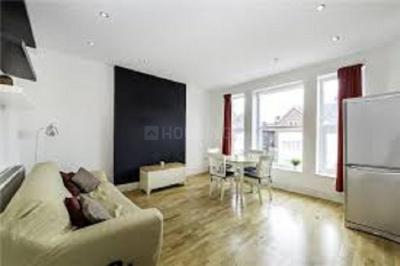 Gallery Cover Image of 1500 Sq.ft 3 BHK Apartment for rent in Santacruz West for 135000