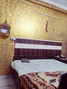 Gallery Cover Image of 550 Sq.ft 1 RK Apartment for rent in DLF Phase 1 for 17300