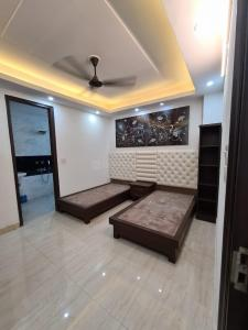 Gallery Cover Image of 1350 Sq.ft 4 BHK Apartment for buy in Jamia Nagar for 12500000