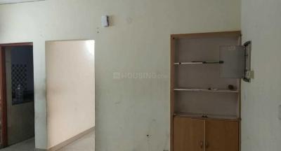 Gallery Cover Image of 250 Sq.ft 1 RK Apartment for rent in DDA Mig Flats Sarita Vihar, Sarita Vihar for 10000