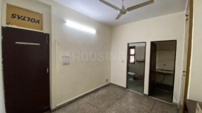Gallery Cover Image of 300 Sq.ft 1 RK Apartment for rent in UCO Apartment, Sector 9 Rohini for 10000