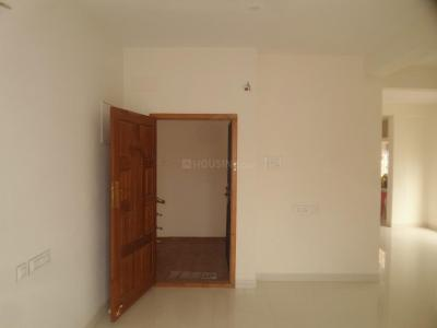 Gallery Cover Image of 1200 Sq.ft 3 BHK Apartment for rent in Velachery for 15000