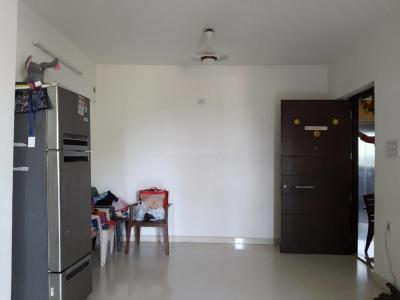 Gallery Cover Image of 1050 Sq.ft 2 BHK Apartment for rent in Bhayandarpada, Thane West for 20000