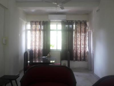 Gallery Cover Image of 650 Sq.ft 1 BHK Apartment for rent in Cuffe Parade for 65000