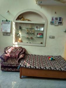 Gallery Cover Image of 1500 Sq.ft 5 BHK Independent House for buy in Narsala for 6500000